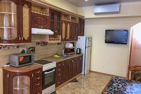 Сдается 1-комнатная квартира посуточно в Ялте, Республика Крым,улица Щербака, 3.