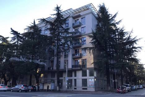 Сдается 3-комнатная квартира посуточно, Автономная Республика Аджария,улица Николая Бараташвили, 27.