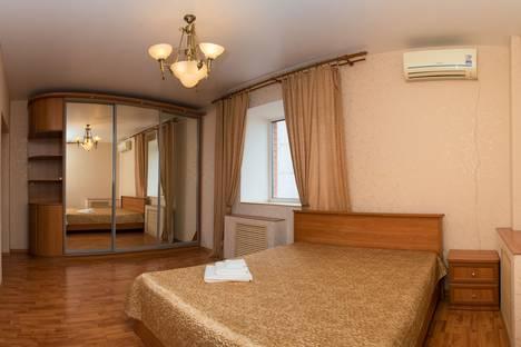 Сдается 2-комнатная квартира посуточно, Республика Татарстан,Агрономическая улица, 18.