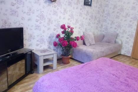 Сдается 1-комнатная квартира посуточно, улица Авиаторов, 40.