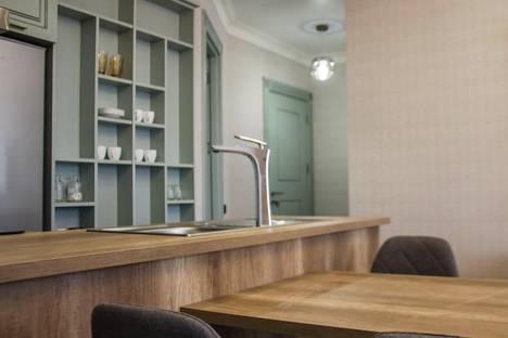 Сдается 3-комнатная квартира посуточно, Автономная Республика Аджария,улица Вахтанга Горгасали, 91.