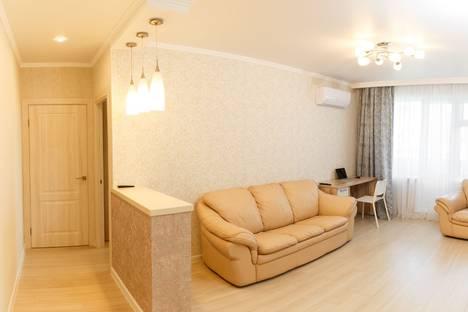 Сдается 2-комнатная квартира посуточно в Кемерове, улица 50 лет Октября, 32.