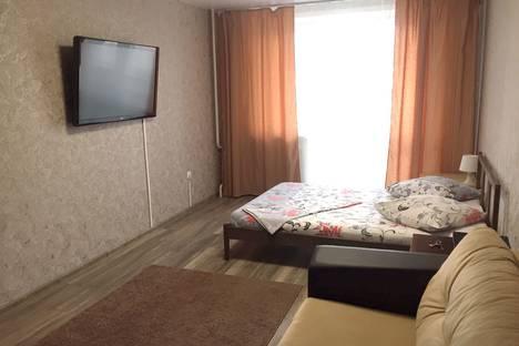 Сдается 1-комнатная квартира посуточно в Новокузнецке, проспект Н.С. Ермакова, 30.