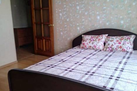 Сдается 1-комнатная квартира посуточно, улица Немировича-Данченко, 120/5, подъезд 1.