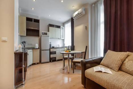 Сдается 2-комнатная квартира посуточно, улица Кирова, 25.