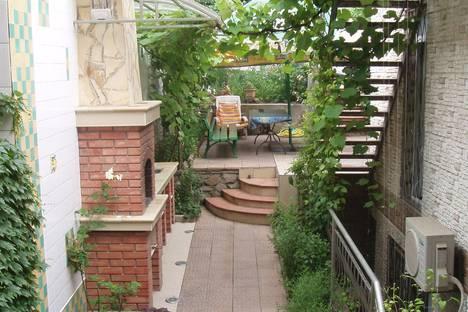 Сдается 1-комнатная квартира посуточно в Алуште, Республика Крым,Таврическая улица, 32.
