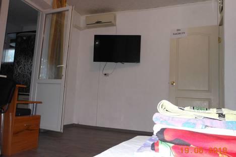 Сдается 2-комнатная квартира посуточно в Новофёдоровке, Республика Крым, Сакский район,Севастопольская улица, 21.