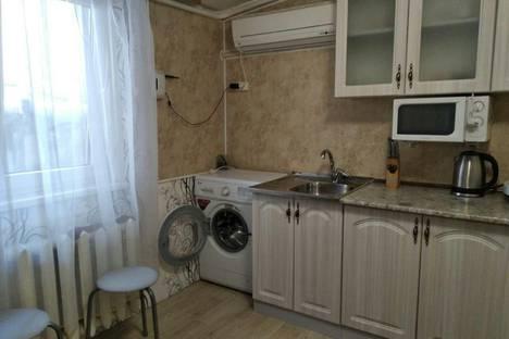 Сдается 1-комнатная квартира посуточно в Алупке, Республика Крым, городской округ Ялта, улица Ленина, 21.