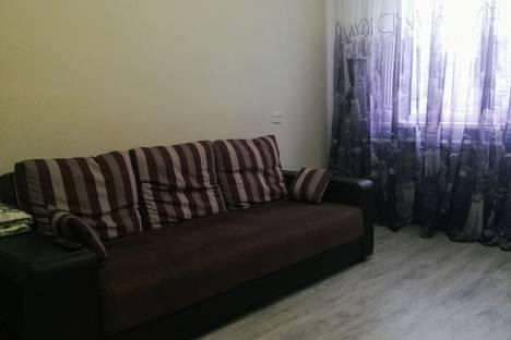 Сдается 2-комнатная квартира посуточно в Волгограде, микрорайон Семь Ветров, бульвар 30-летия Победы, 36.