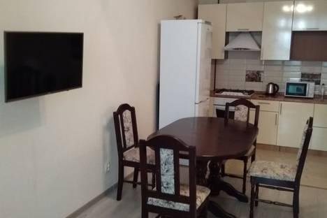 Сдается 2-комнатная квартира посуточно, улица Чапаева 58.