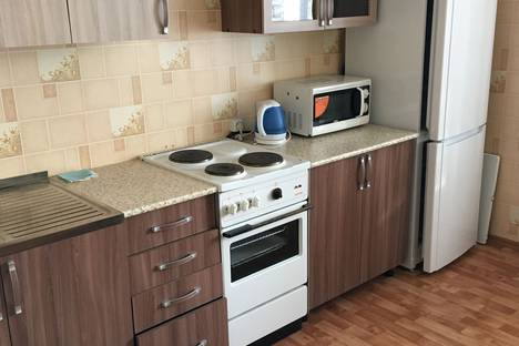 Сдается 1-комнатная квартира посуточно, улица Кирова, 119Б.