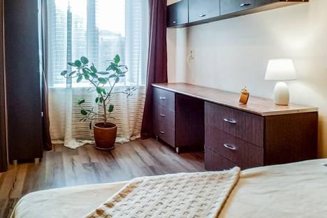 Сдается 2-комнатная квартира посуточно в Перми, улица Героев Хасана, 5.