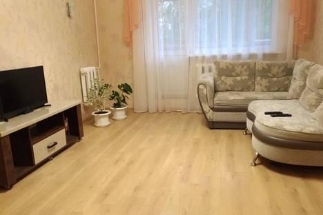 Сдается 2-комнатная квартира посуточно, улица Орловского, 17Б.