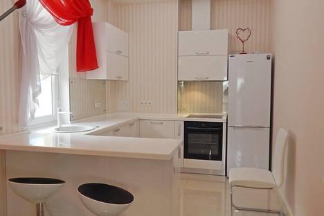 Сдается 4-комнатная квартира посуточно в Ялте, Республика Крым,улица Щорса, 45.