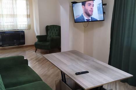 Сдается 3-комнатная квартира посуточно в Кобулети, Автономная Республика Аджария,улица Руставели, 140.