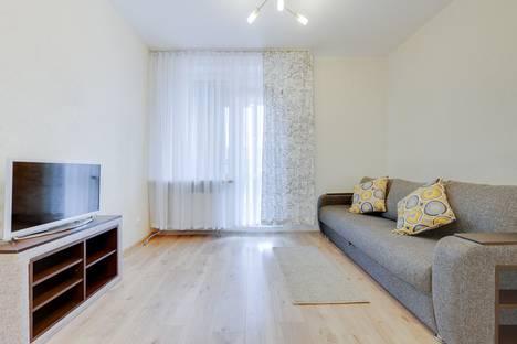 Сдается 1-комнатная квартира посуточно, Кременчугская улица, 13к1.