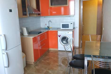 Сдается 1-комнатная квартира посуточно в Волгограде, Новороссийская улица, 5.