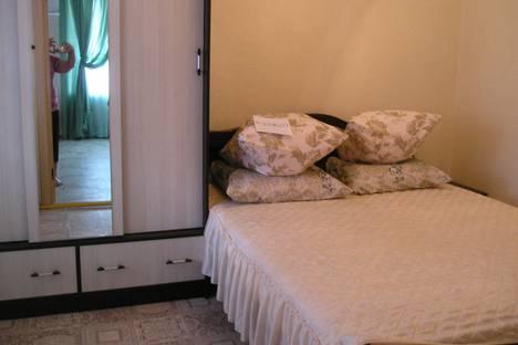 Сдается 2-комнатная квартира посуточно в Евпатории, пер. колхозный дом 8.