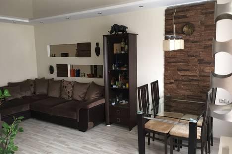 Сдается 2-комнатная квартира посуточно в Витебске, пр-т Черняховского дом6,корп.4,кв.29.
