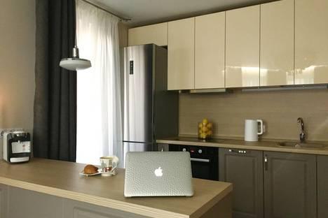 Сдается 2-комнатная квартира посуточно, проспект Острякова, 28.