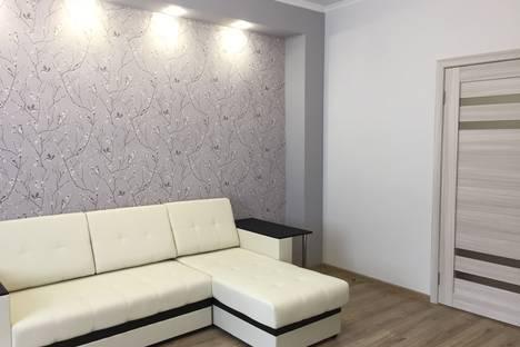 Сдается 2-комнатная квартира посуточно в Ялте, Республика Крым,Садовая улица, 25.