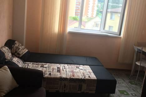 Сдается 1-комнатная квартира посуточно в Сочи, микрорайон Мамайка, улица Фадеева, 32.
