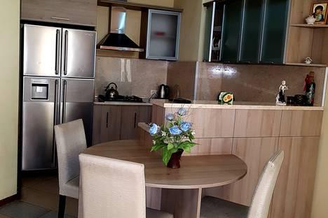 Сдается 3-комнатная квартира посуточно, Tbilisi, Vakhtang Bochorishvilis kucha, 37ბ.