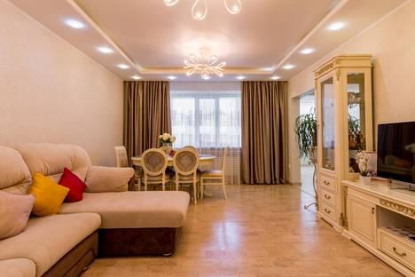 Сдается 3-комнатная квартира посуточно в Сургуте, Ханты-Мансийский автономный округ,улица 30 лет Победы, 56/2.