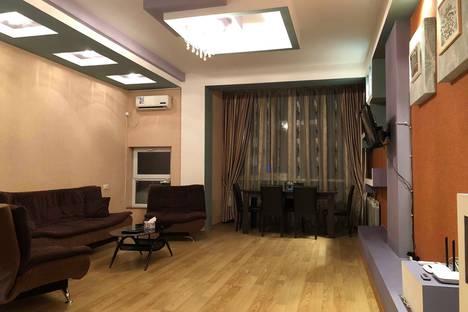 Сдается 3-комнатная квартира посуточно в Тбилиси, Тбилиси. Кетеван Цамебули 47.