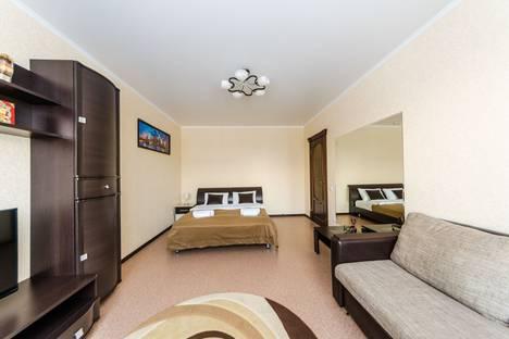 Сдается 1-комнатная квартира посуточно, Саратовская область,Степная улица, 68, подъезд 5.