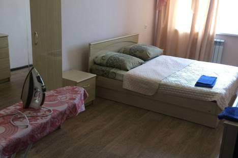 Сдается 2-комнатная квартира посуточно, Баха 10.