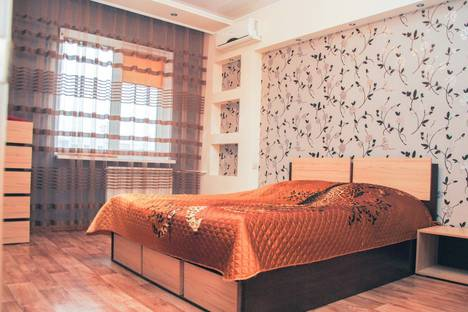 Сдается 2-комнатная квартира посуточно, улица Куликова, 81к2.