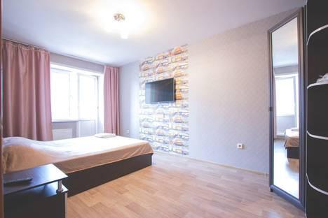 Сдается 2-комнатная квартира посуточно, улица Молокова, 12.