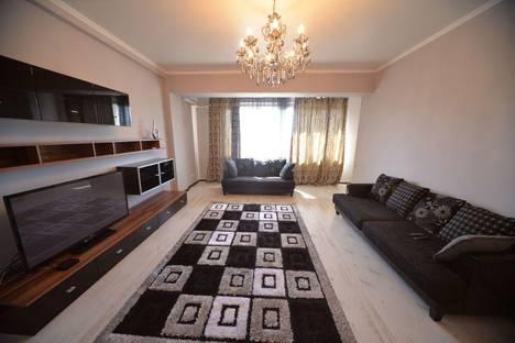 Сдается 3-комнатная квартира посуточно в Бишкеке, улица Уметалиева, 27.