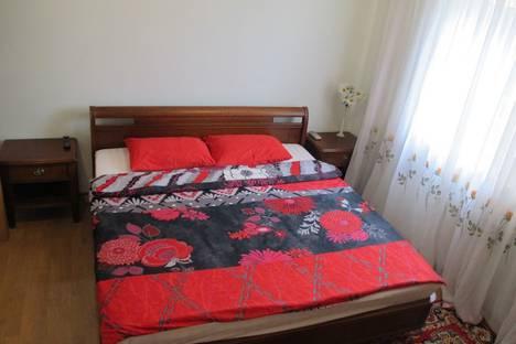 Сдается 2-комнатная квартира посуточно, улица Володарского, 9.