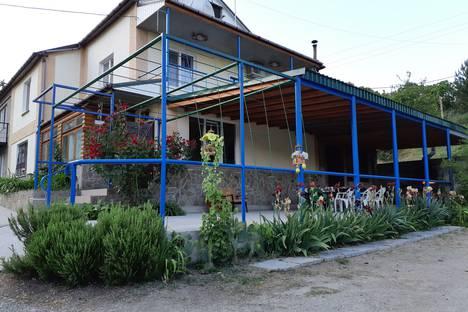 Сдается коттедж посуточно в Гурзуфе, Республика Крым, городской округ Ялта,Приветная улица 10.