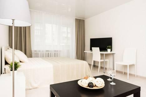 Сдается 3-комнатная квартира посуточно в Екатеринбурге, улица Сурикова, 2.