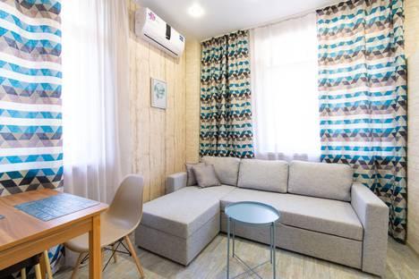 Сдается 2-комнатная квартира посуточно в Адлере, Сочи, микрорайон Зорька, Хадыженская улица, 65А.