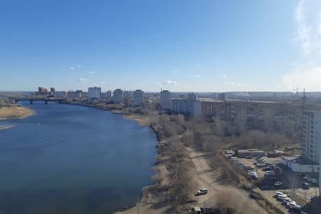 Сдается 2-комнатная квартира посуточно в Красноярске, Красноярс ул Ярыгинская набережная д 3.