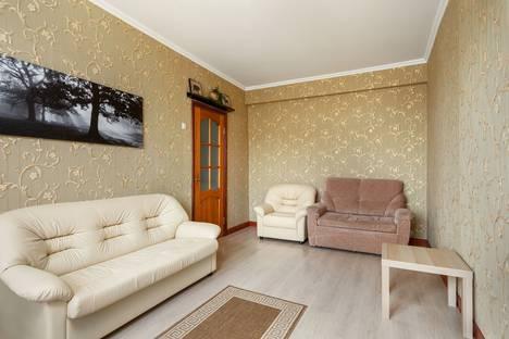 Сдается 2-комнатная квартира посуточно в Москве, 2-я Фрунзенская улица, 10.