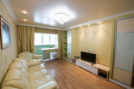 Сдается 3-комнатная квартира посуточно во Владивостоке, улица Стрельникова, 12.