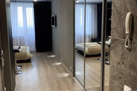 Сдается 1-комнатная квартира посуточно в Новосибирске, улица Вавилова, 7.