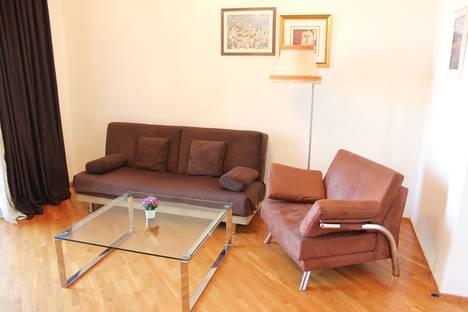Сдается 2-комнатная квартира посуточно, Сабаильский район, Проспект Азербайджана 3.