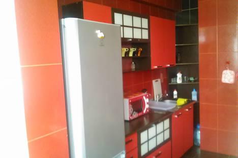 Сдается 2-комнатная квартира посуточно в Гагре, улица Абазгаа, 53/3.