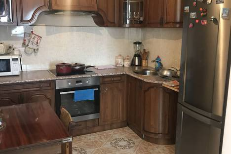 Сдается 3-комнатная квартира посуточно, улица Аидгылара, 29.