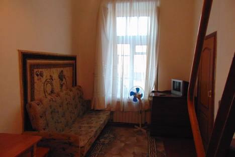 Сдается 1-комнатная квартира посуточно, улица Революции, 64.