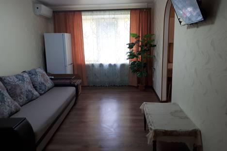 Сдается 2-комнатная квартира посуточно в Бердянске, Запорожская область,Первомайская улица, 36.