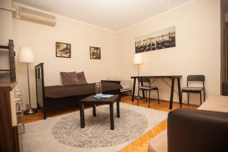 Сдается 2-комнатная квартира посуточно, Садовая-Триумфальная улица, 18-20.
