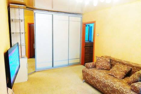 Сдается 2-комнатная квартира посуточно в Магнитогорске, проспект Карла Маркса, 145.