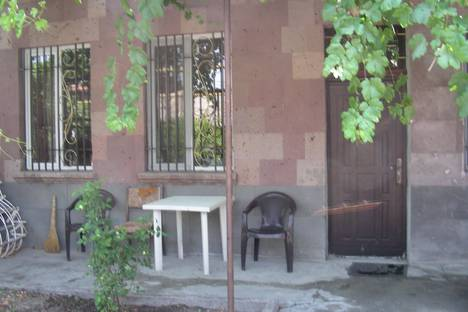 Сдается комната посуточно в Ереване, Հայաստան, Երևան, Բուռնազյան փողոց, 59/1.